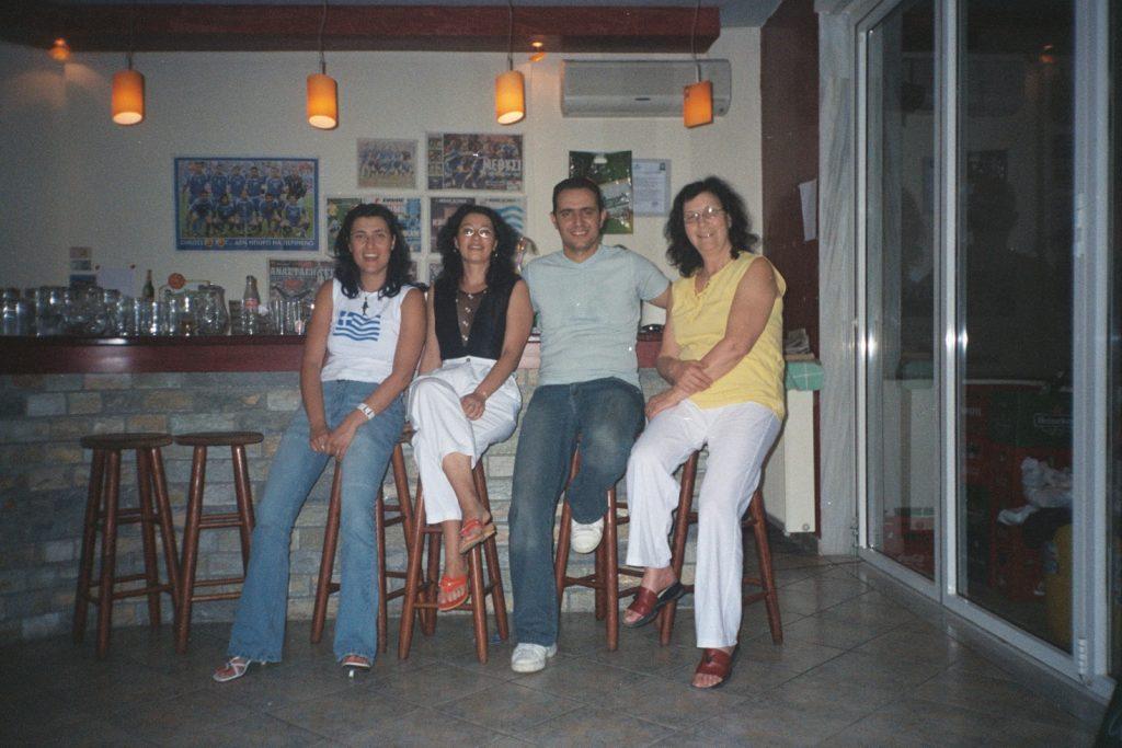 cu prietenii în prima vacanță în Thassos