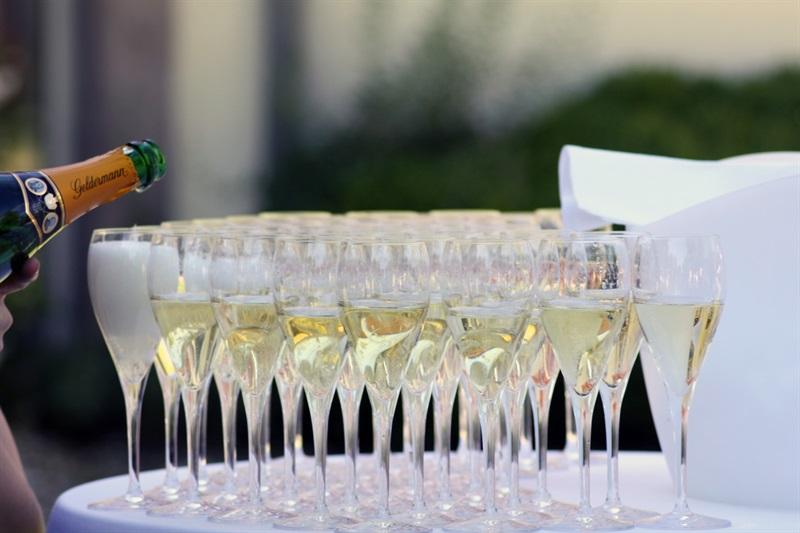 pahare cu șampanie
