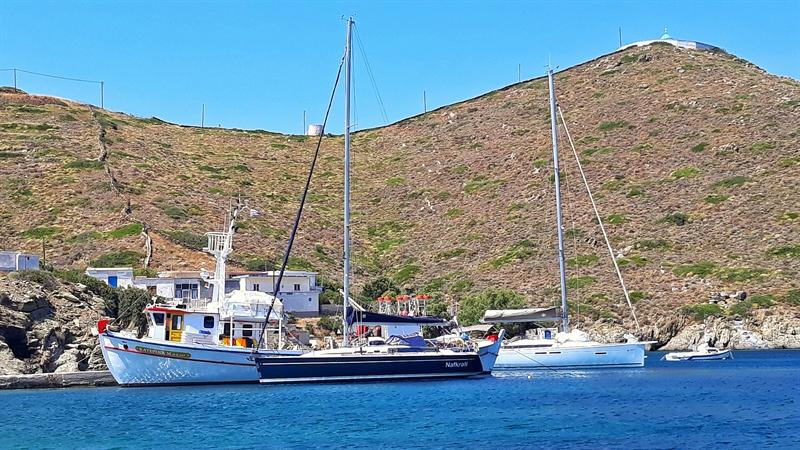 bărci ancorate pe croazieră în Founoi Korseon